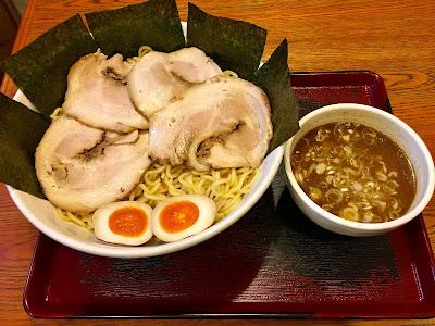 三軒茶屋にある和正のつけ麺(大)
