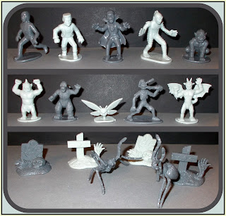 Godzilla; Graves; Halloween Novelty Toy; Halloween Playset; Halloween Toy Figures; Horror Play Set; Man Bat; Monsters; Mummy; Plastic Figurines; Plastic Toy Figures; Plastic Toys; Play Set; SCS Direct; Small; Small Scale World; smallscaleworld.blogspot.com; Plastic Figures; Zombies; Mothma, 13 Unique Sculpts; Fantasy Creatures, 100 Figures, WD, Wicked Duals, Dual Colours