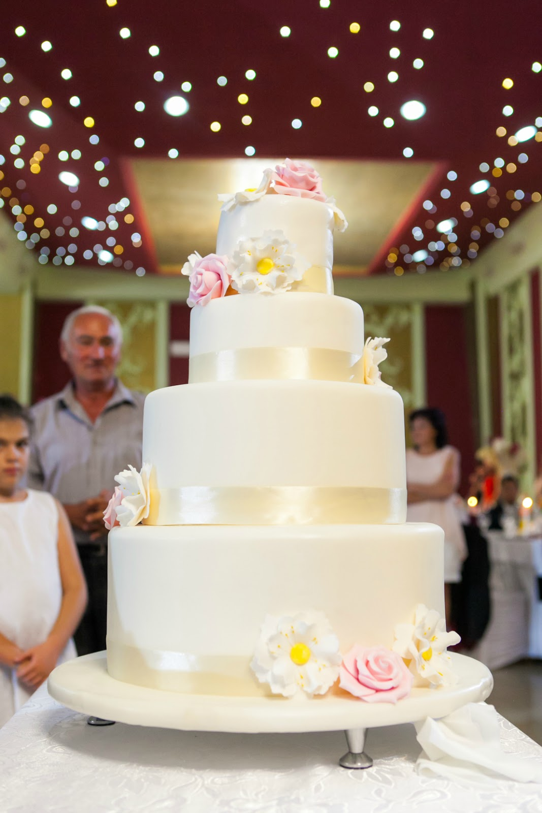 classic wedding cake idea