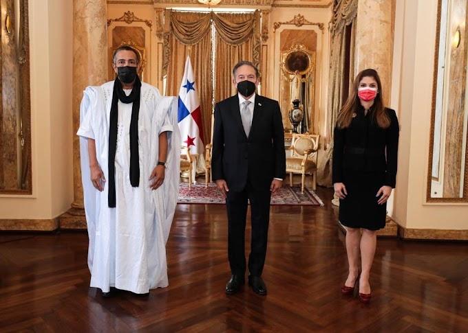 ⭕️ ورد الآن | السفير الجديد للجمهورية الصحراوية لدى بنما يُسلم أوراق إعتماده للرئيس البنمي لورنزو كورتيزو