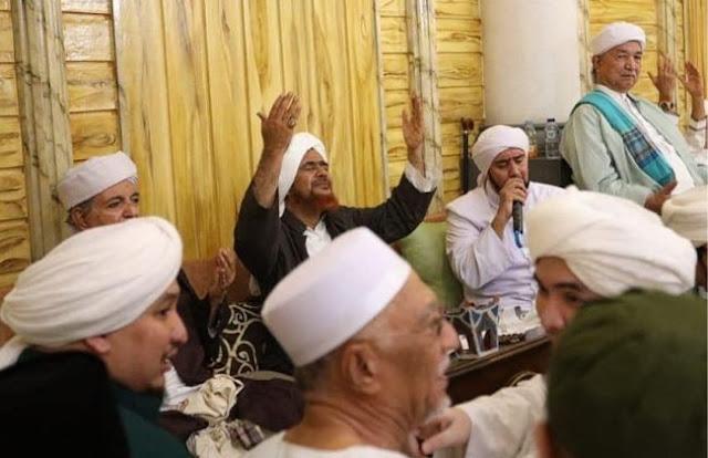 Ustadz Felix dan Habib Umar bin Hafidz