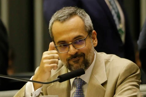 MPF entra com ação no RN contra ministro da Educação por danos morais