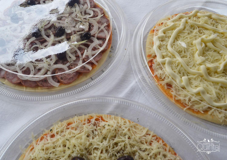 Três sabores de pizza na embalagem G-60 da Galvanotek na Cozinha do Quintal