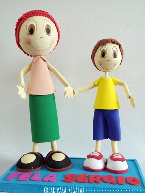 fofuchos niño y niña con traje y pantalon diy goma eva