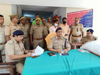 अवैध अपमिश्रित शराब संग तमंचा बरामद, दो गिरफ्तार | #NayaSaberaNetwork