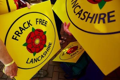Manifestantes contra el fracking en el condado de Hall, Preston.