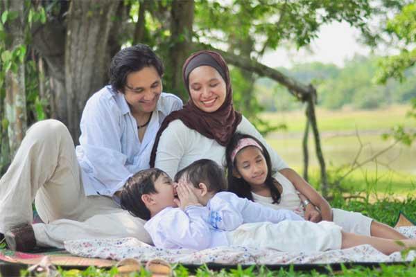 Kesedihan Seketika Sirna Dalam Rumah Tangga Dengan 5 Tips Keluarga Bahagia Ini