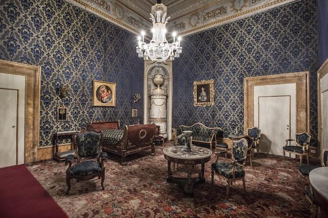 Palazzo Pitti :: Canon EOS5D MkIII | ISO3200 | Canon 17-40@17mm | f/6.3 | 1/13s