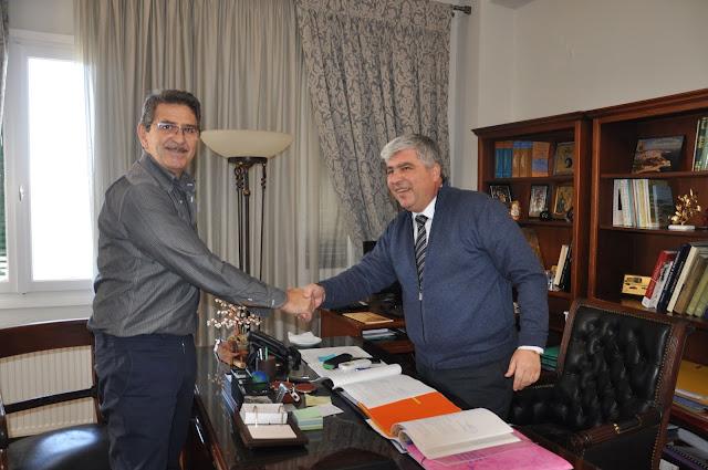 """Πρέβεζα: Υπογραφή σύμβασης μεταξύ Δήμου και ΕΤΑΝΑΜ για την υλοποίηση του έργου """"Υδρευση Λούρου από Πηγές Σκάλας"""""""