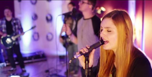 """Megafone apresenta novo vídeo """"studio session"""": """"A Casa é Sua"""""""