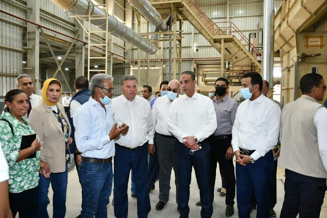 وزير قطاع الأعمال ومحافظ الفيوم يتفقدان محلج الفيوم المطور