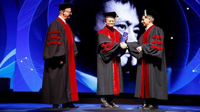 Jack Ma: Người thông minh rời bỏ công ty, còn những người tin tưởng vào tầm nhìn tương lai sẽ ở lại -1