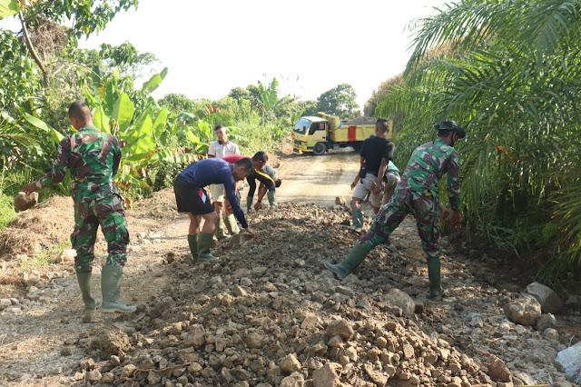 Pembangunan Sarana Jalan Di  Alue Limeng Terus Berlanjut hingga kini
