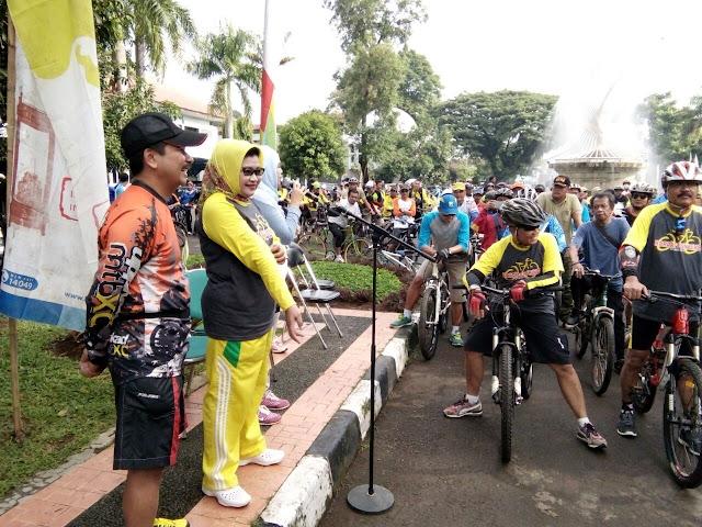 Plt Bupati Subang Buka Acara Pelepasan Olahraga Bersepeda Santai