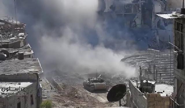 بالفيديو براعة طاقم دبابة للجيش السوري تهزم إرهابيي داعش في المواجهة