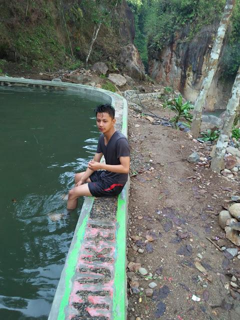 kolam-renang-cipanas-talegong-garut