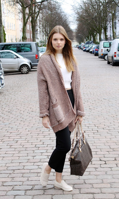 IMG 8655 - SPORT CHIC - OVERSIZE CARDIGAN MIT SLIP - ON SNEAKERS