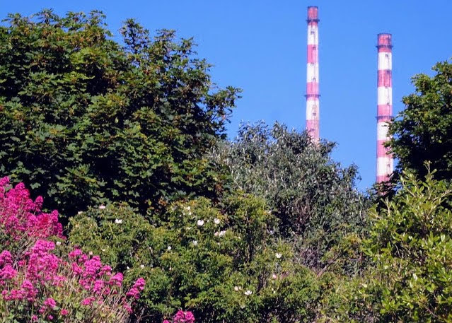 Dublin in a day: poolbeg smokestacks