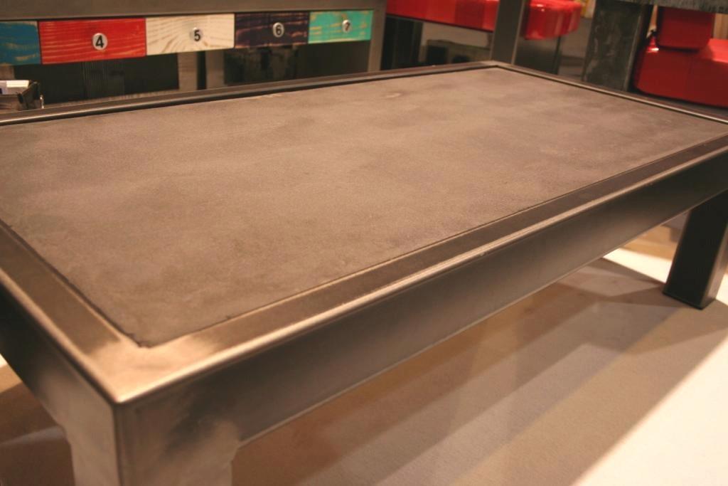 Table Beton Com La Table Beton Et Acier Brut