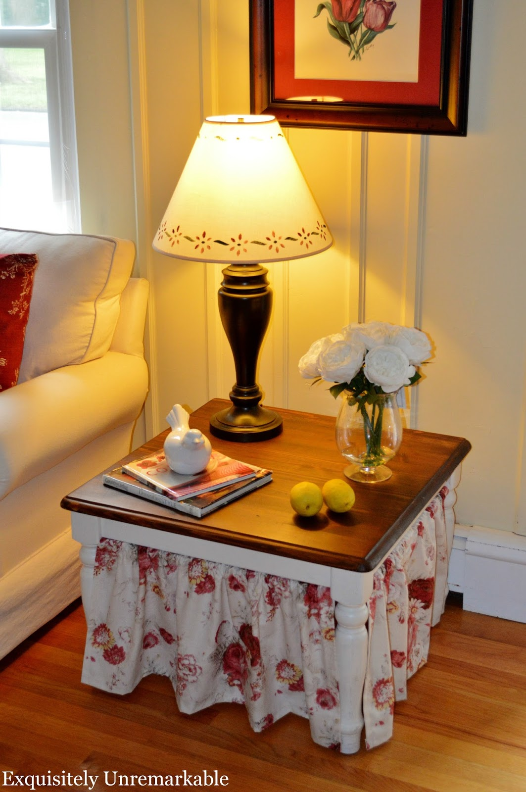 http://www.exquisitelyunremarkable.com/2014/07/easy-skirted-table-tutorial.html