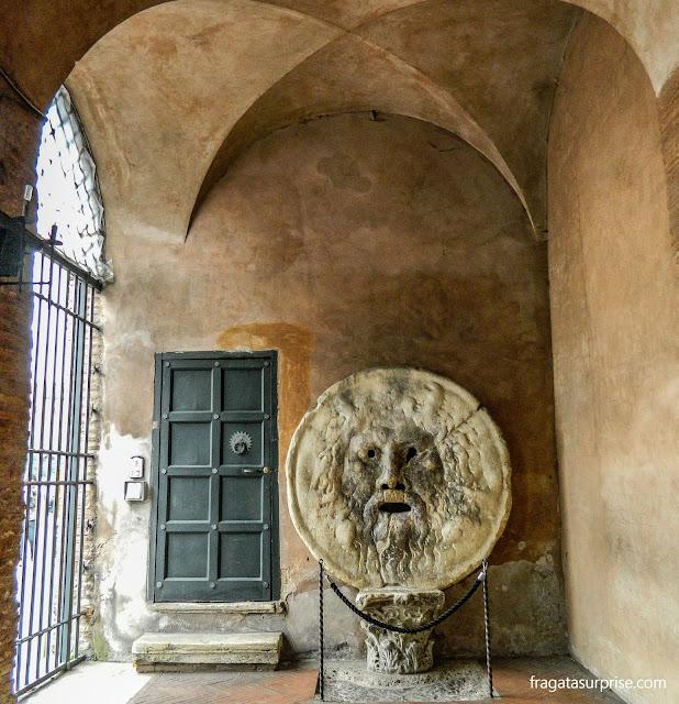 Máscara da Boca da Verdade, na Igreja de Santa Maria in Cosmedin, em Roma