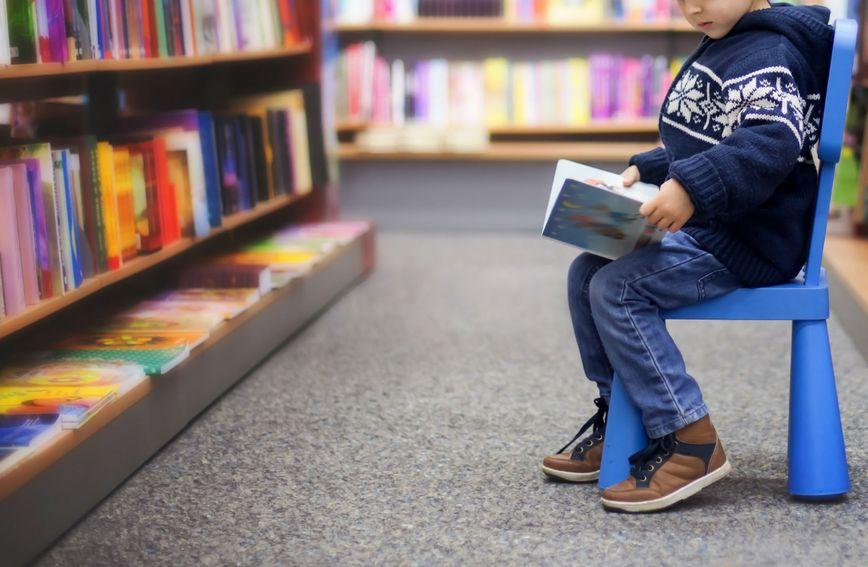 dijete-knjižnica-knjižara-humanost-beograd
