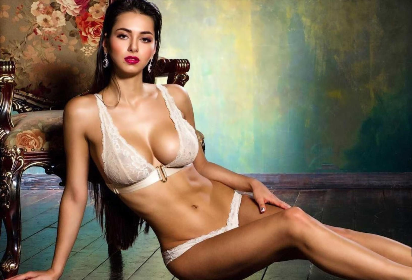 Helga Model Super Hot Wallpaper