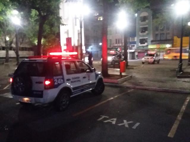 Guarda Municipal de Vitória (ES) detém acusado de agredir e roubar comerciante