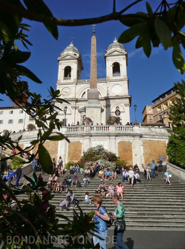 Spanish Steps, Bond location in the short story RISICO