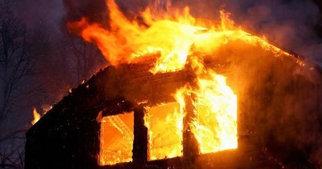 Kigyulladt egy ház Jászapátiban