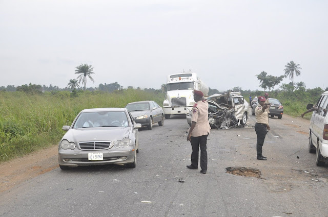 Auto crash kills one, injures others on Lagos-Abeokuta highway