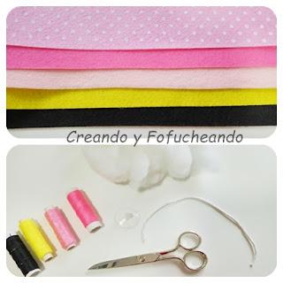 materiales-diy-como-hacer-un-cojin-de-la-pantera-rosa-en-fieltro-creandoyfofucheando