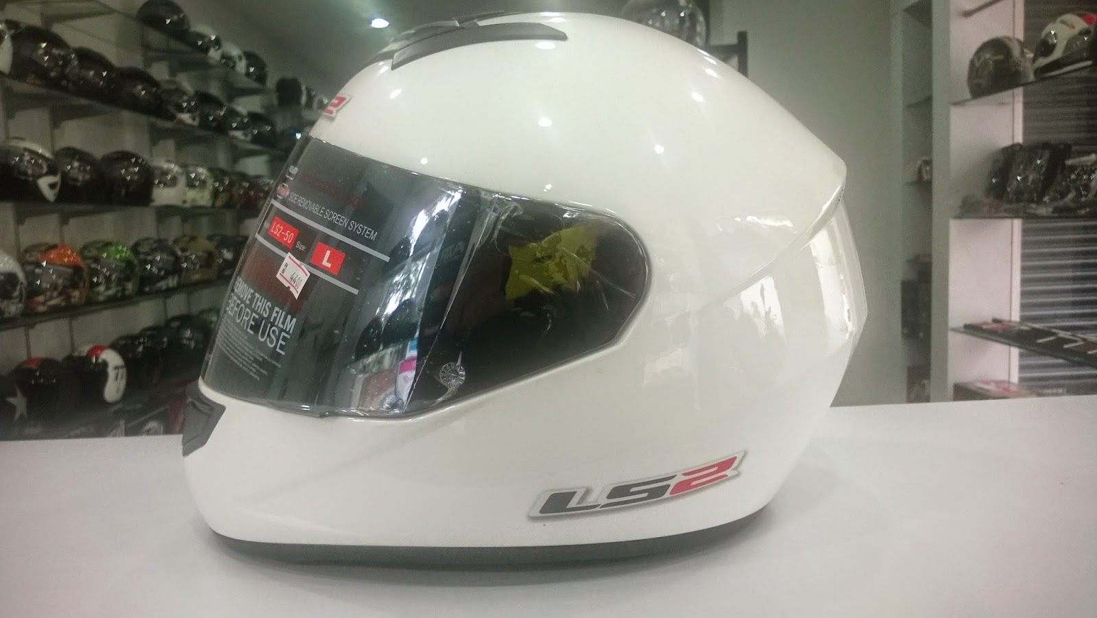 8a1af3ca The LS2 FF350/351 is available in both solid colours and graphics.