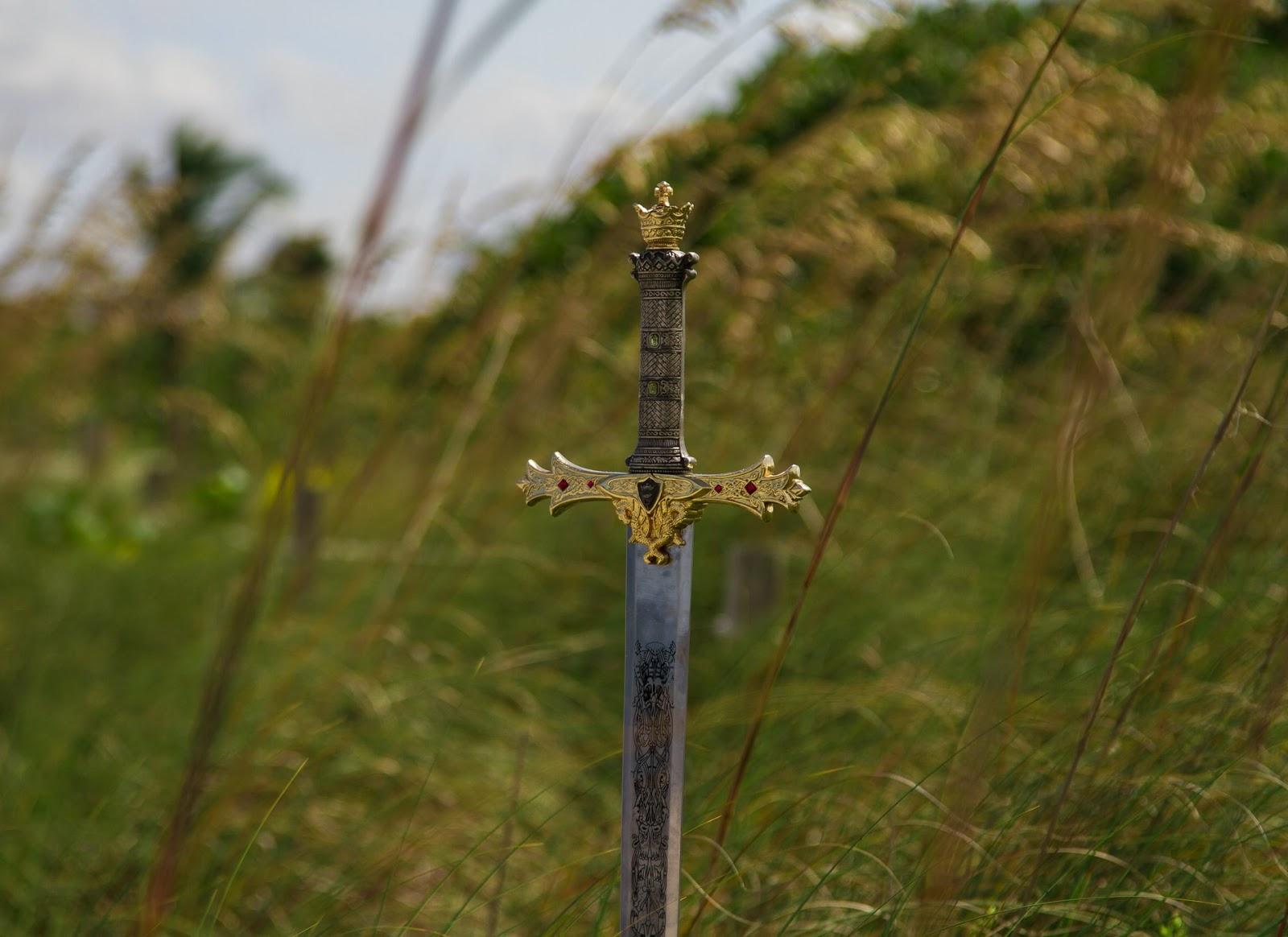 miecz bohater postacie brandon sanderson