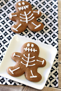 Recipe for vegan gingerbread cookies decorated as skeletons.
