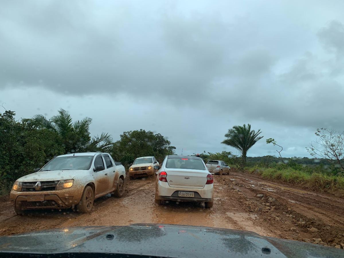 estrada barra grande bahia com chuva