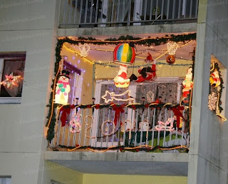 Adornar balcón en navidad