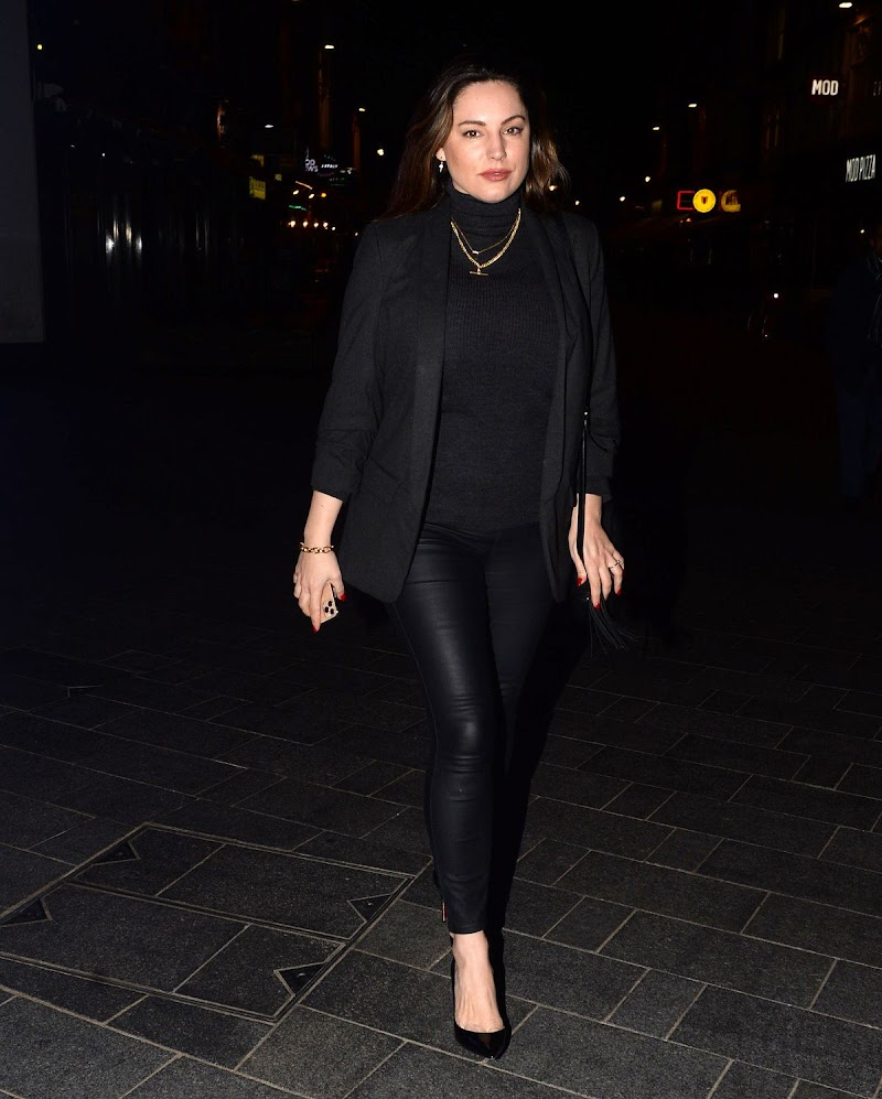 Kelly Brook Leaves Global Radio in London 27 Feb-2020