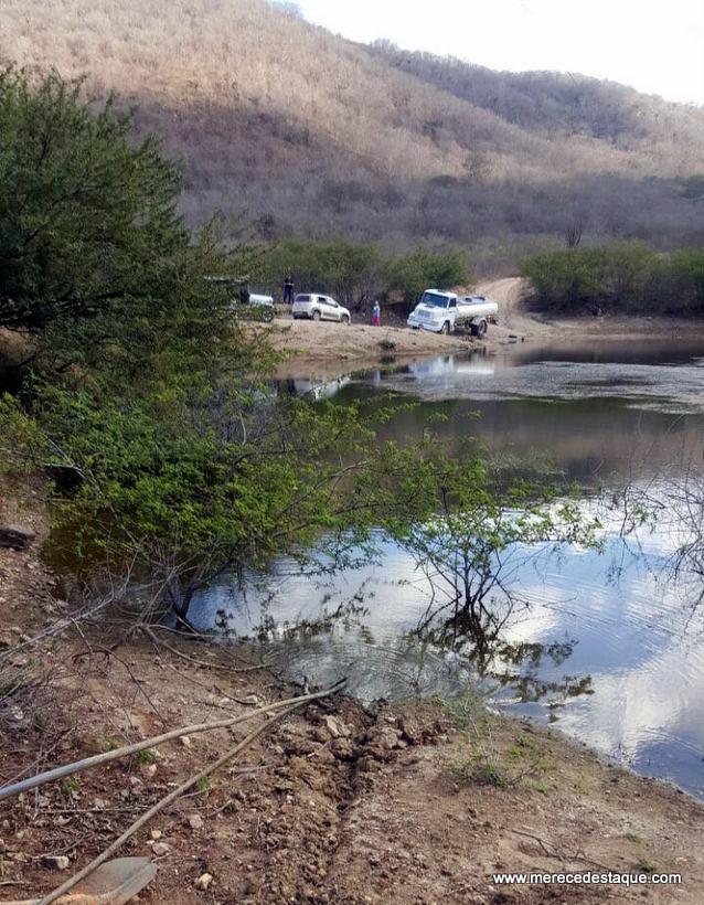Duas pessoas foram presas por furtar água da adutora de Tabocas para vender a pipeiros