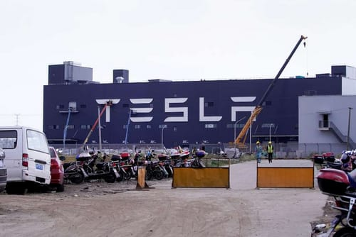 Tesla faces a sharp drop in sales in China