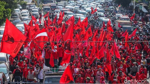 Diperintah Megawati, Giliran PDIP Bekasi Seret Kasus Pembakaran Bendera Ke Polisi