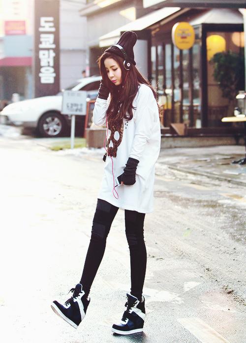 Korean girls fashion march 2016 Fashion street style korea