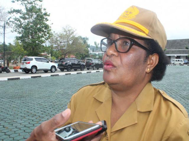 Ribka Haluk  Nilai Perekaman E-KTP Dukcapil Kabupaten Dinilai Jalan Ditempat