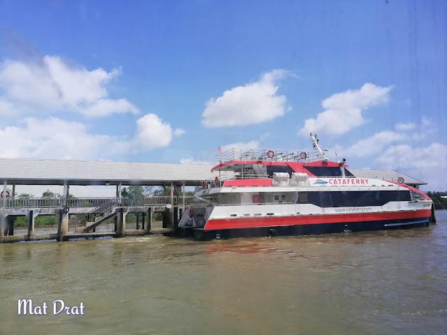 Feri ke Pulau Tioman