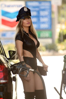 Ana-Braga-spotted-in-a-Halloween-Police-costume-while-getting-gas-in-Studio-City-u7dih4htto.jpg