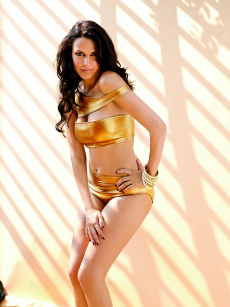 Neha Dhupia Hot And Sexi Bikin Pics-9740