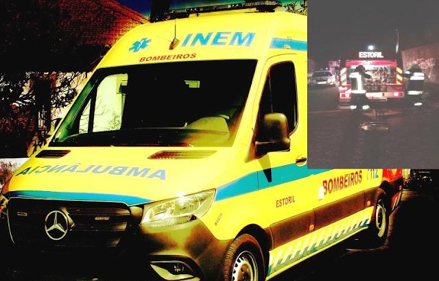 Bombeiros que assistiam doente detetam fogo e resgatam morador de habitação