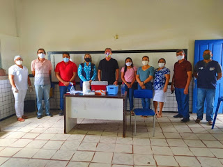 Equipes da Regional de Educação, Regional de Saúde, Secretarias municipais de Saúde e Educação, iniciam vacinação contra a Covid-19, dos Profissionais de Educação na região do Baixo Parnaíba