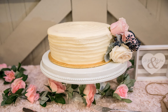delicate wedding cake