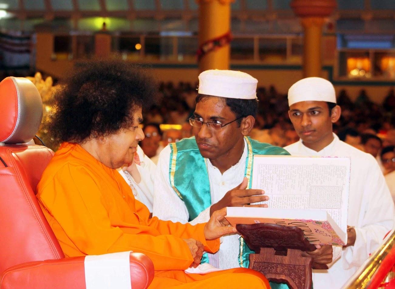 speech on guru pournima Guru vandana or गुरु मन्त्र (guru mantra) are sanskrit stanzas addressed to teacher or गुरु (guru) these shlokas praise the गुरु (guru) for his god like qualities.